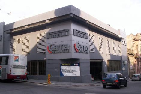 Esquina, calle Buenos Aires y Treinta y Tres