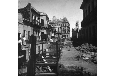Vista desde la esquina de las calles Piedras y Maciel