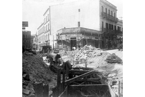 Vista de las obras de Saneamiento en la proa de Yacaré y Piedras.