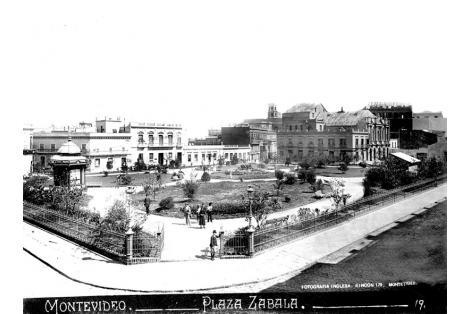 Vista de conjunto de construcciones demolidas, entre ellas teatro de Comedia en el año 1907, para realizar Palacio Taranco.