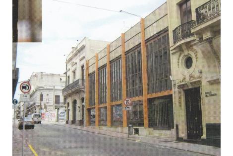 Fachada hacia calle Zabala. c. 1985 (modificada)