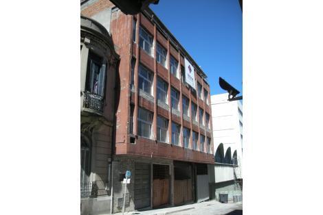 Fachada sobre la calle Juan Carlos Gómez