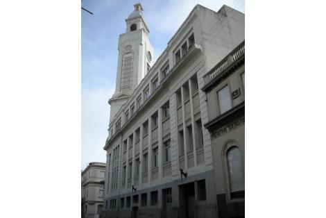 Fachada sobre Buenos Aires
