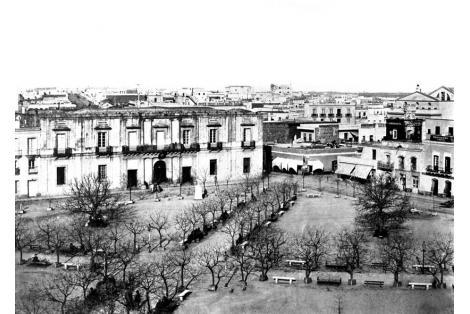 Vista hacia calles Sarandí y Juan Carlos Goméz.