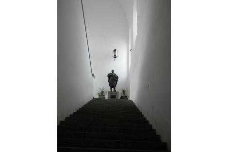 Interior - escalera principal