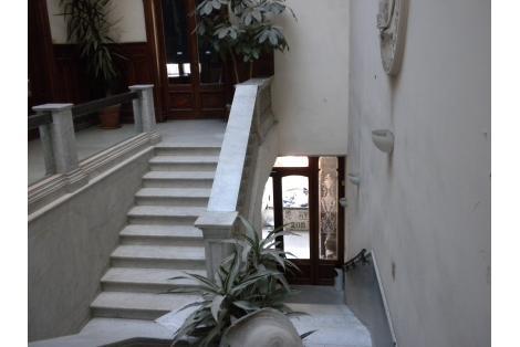 Interior 01 -vista hacia el acceso-
