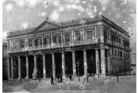 Fachada calle Plaza Independencia.