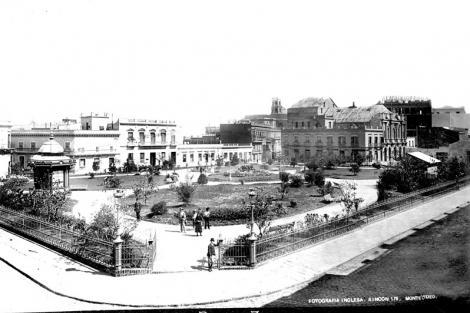 Plaza Zabala vista desde esquina sureste. CDF_pza zabala 308b