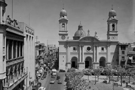 Plaza Constitución. CDF _ Iglesia Matriz 8335