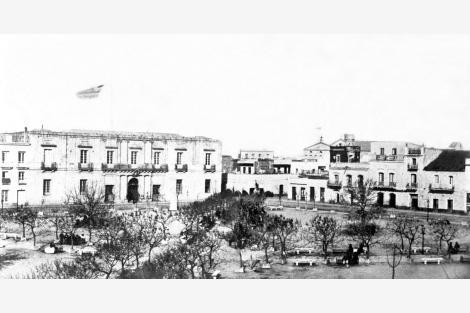 Vista de demoliciones para posterior construcción de Hotel Lanata, Club Uruguay y Bazar Colón. CDF_ pza matriz _ 35b